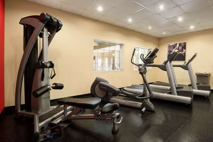 Fitness Center | Country Inn & Suites by Radisson, Oklahoma City - Quail Springs, OK