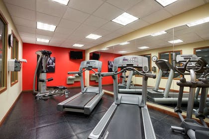 Fitness Center   Country Inn & Suites by Radisson, Washington at Meadowlands, PA