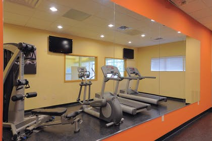 Fitness Room | Country Inn & Suites by Radisson, Columbia at Harbison, SC