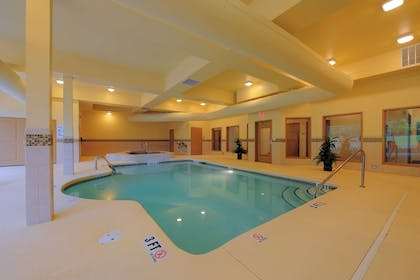 Pool | Country Inn & Suites by Radisson, Columbia at Harbison, SC