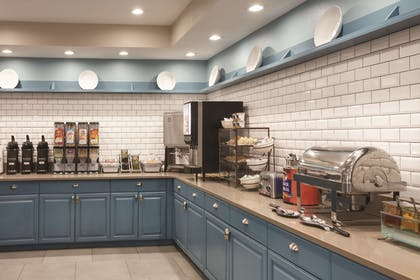 Breakfast Area | Country Inn & Suites by Radisson, Chattanooga-Lookout Mountain