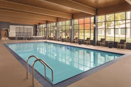 Indoor Pool   Radisson Conference Center Green Bay