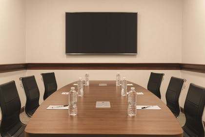 Conference Room - C2 | Radisson Hotel and Conference Center Rockford
