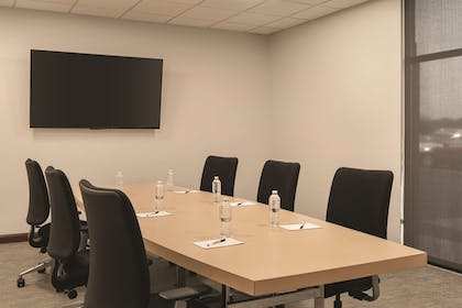 Conference Room - C1 | Radisson Hotel and Conference Center Rockford