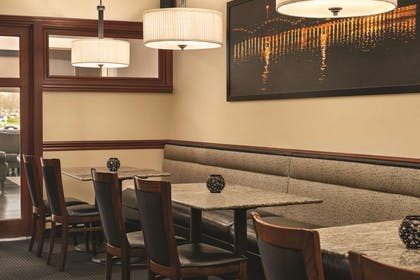 Forest City Pub | Radisson Hotel and Conference Center Rockford