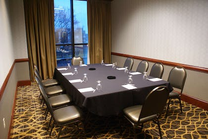 State Room | Radisson Hotel Lansing At The Capitol