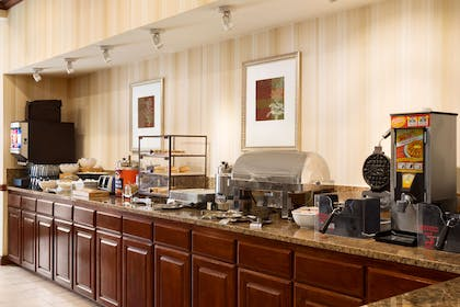Breakfast Room | Country Inn & Suites by Radisson, Conway, AR
