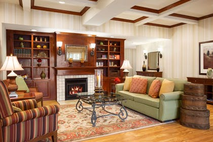 Lobby | Country Inn & Suites by Radisson, Conway, AR