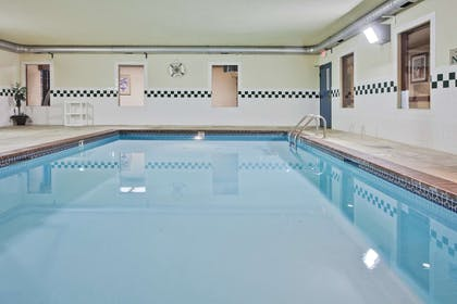 Pool   Country Inn & Suites by Radisson, Hot Springs, AR