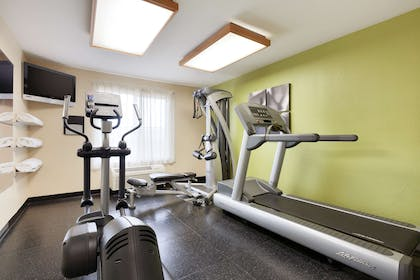 Fitness Center | Country Inn & Suites by Radisson, San Carlos, CA