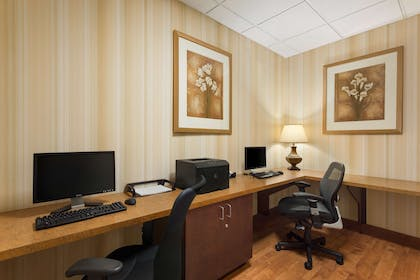Business Center | Country Inn & Suites by Radisson, Ontario at Ontario Mills, CA