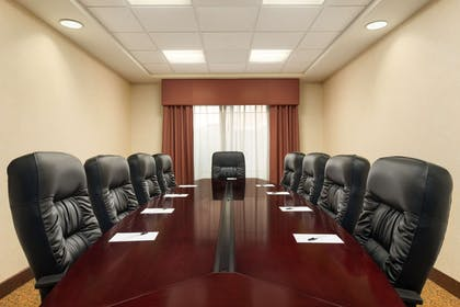 Meeting Room | Country Inn & Suites by Radisson, Ontario at Ontario Mills, CA