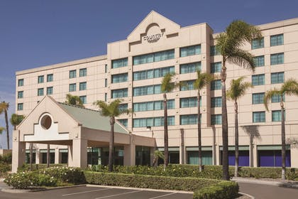 Exterior | Country Inn & Suites by Radisson, San Diego North, CA