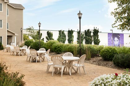 Outdoor Patio Area | Country Inn & Suites by Radisson, Chanhassen, MN
