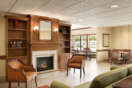 Lobby | Country Inn & Suites by Radisson, Chanhassen, MN