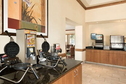 Breakfast Room | Country Inn & Suites by Radisson, Chanhassen, MN