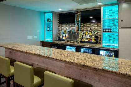 Lounge Area | Country Inn & Suites by Radisson, Fargo, ND