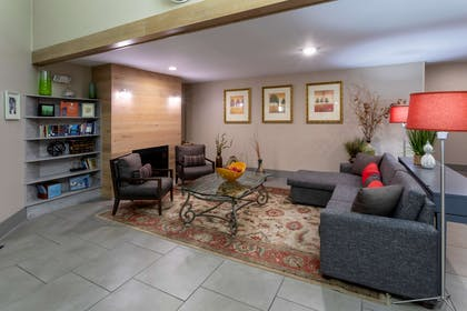 Lobby | Country Inn & Suites by Radisson, Fargo, ND