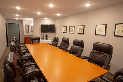 Boardroom | Country Inn & Suites by Radisson, Fargo, ND