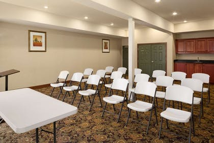 Meeting Room   Country Inn & Suites by Radisson, Crestview, FL