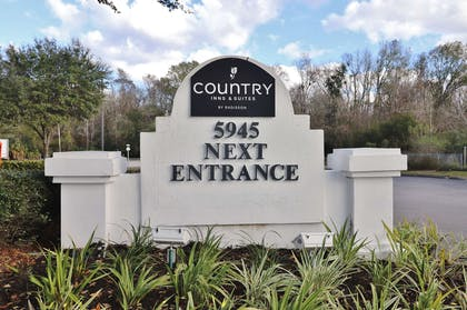 Hotel Entrance sign   Country Inn & Suites by Radisson, Jacksonville, FL