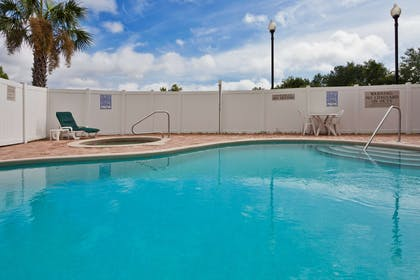 Pool | Country Inn & Suites by Radisson, Jacksonville West, FL