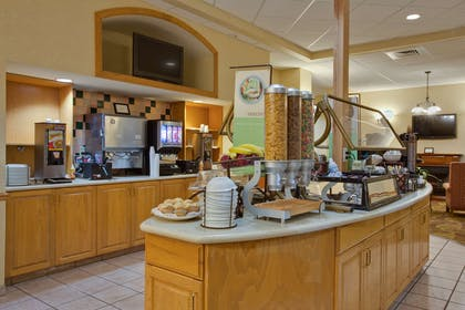Breakfast Room | Country Inn & Suites by Radisson, Orlando Airport, FL