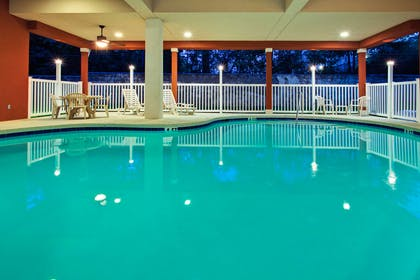 Pool | Country Inn & Suites by Radisson, Tallahassee Northwest I-10, FL