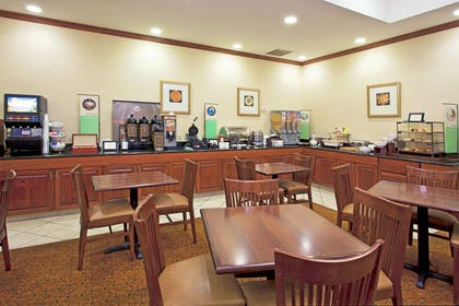 Breakfast Room | Country Inn & Suites by Radisson, Tallahassee Northwest I-10, FL