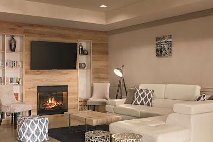 Living Room   Country Inn & Suites by Radisson, Tampa Airport North, FL