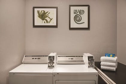 Laundry   Country Inn & Suites by Radisson, Tampa Airport North, FL