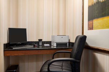 Business Center | Country Inn & Suites by Radisson, Albany, GA