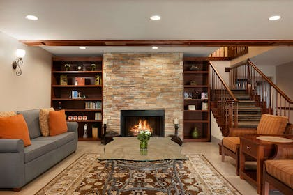 Living Room with Fireplace   Country Inn & Suites by Radisson, Kingsland, GA