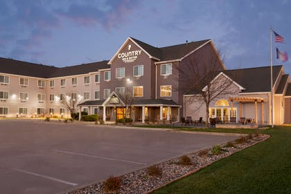 Hotel Exterior | Country Inn & Suites by Radisson, Ames, IA
