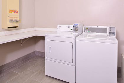 Laundry Facilities   Country Inn & Suites by Radisson, Omaha Airport, IA