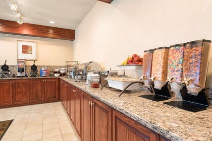 Breakfast Room   Country Inn & Suites by Radisson, Council Bluffs, IA