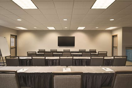 Meeting Room | Country Inn & Suites by Radisson, Coralville, IA