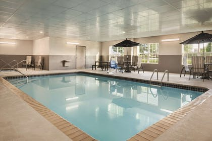 Pool | Country Inn & Suites by Radisson, Coralville, IA