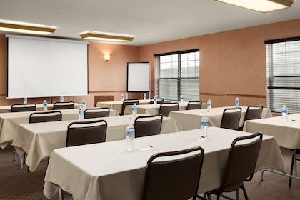 Meeting Room | Country Inn & Suites by Radisson, Fort Dodge, IA