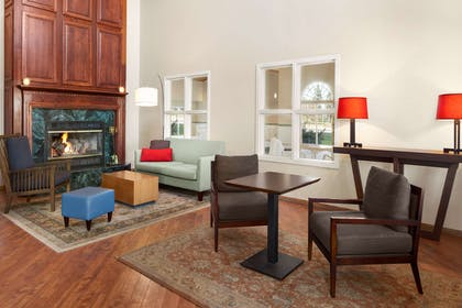 Lobby | Country Inn & Suites by Radisson, Fort Dodge, IA