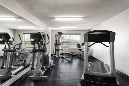 Fitness Center | Country Inn & Suites by Radisson, Fort Dodge, IA