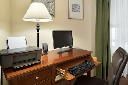 Business Center   Country Inn & Suites by Radisson, Grinnell, IA
