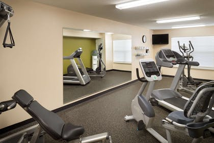 Fitness Room   Country Inn & Suites by Radisson, Grinnell, IA