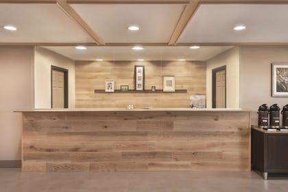 Front Desk | Country Inn & Suites by Radisson, Pella, IA
