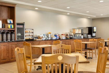 Breakfast Area | Country Inn & Suites by Radisson, Boise West, ID