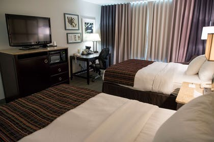 2 Queens | Country Inn & Suites by Radisson, Effingham, IL