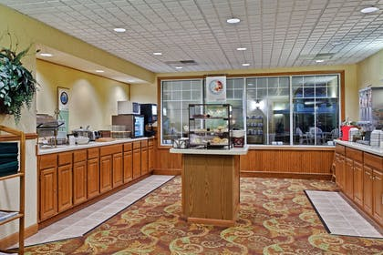 Breakfast Room | Country Inn & Suites by Radisson, Freeport, IL