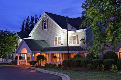 Hotel Exterior | Country Inn & Suites by Radisson, Freeport, IL