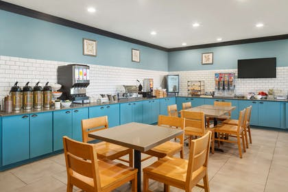 Breakfast Room | Country Inn & Suites by Radisson, Manteno, IL