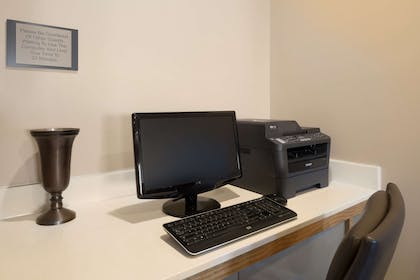 Business Center | Country Inn & Suites by Radisson, Manteno, IL